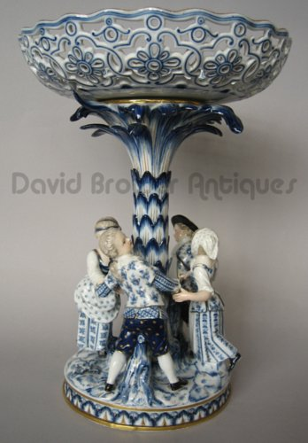A blue and white Meissen comport of dancing children